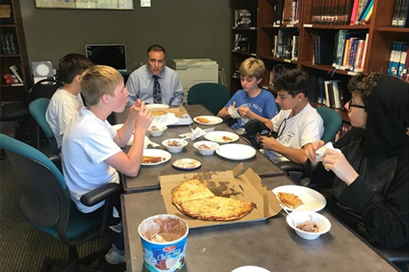 Lunch-with-the-rabbi-programs